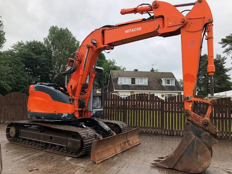 HITACHI EX135UR - 5 ZERO SWING TRACKED EXCAVATOR ( PLEASE SEE VIDEO )