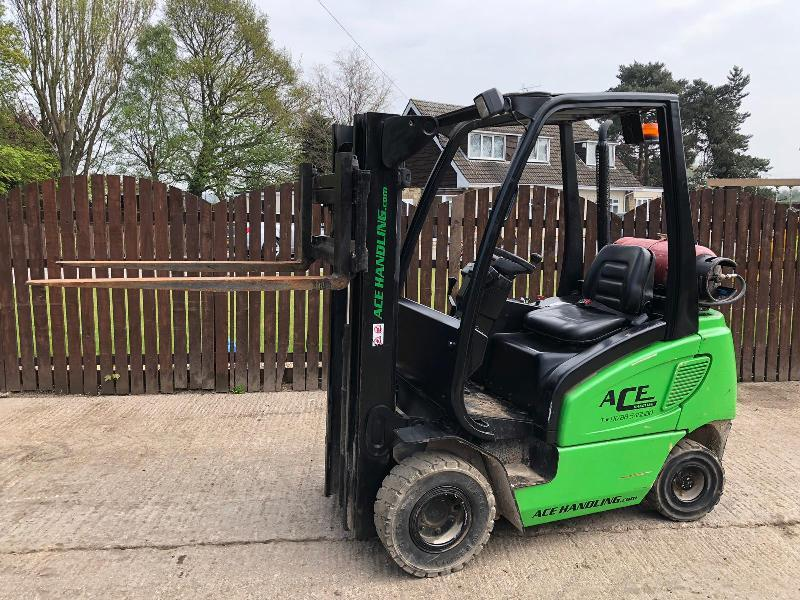 ACE HANDLING TFG316S FORK LIFT ( YEAR 2007 )
