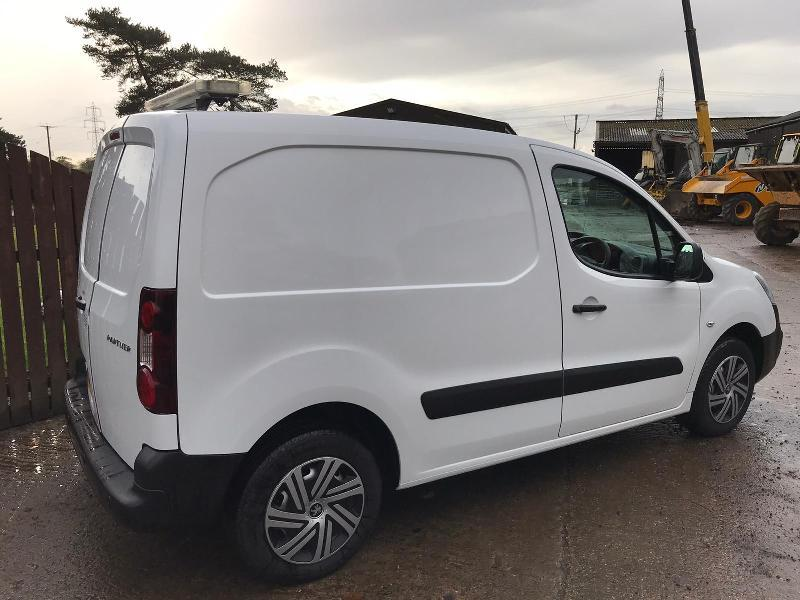PEUGEOT PARTNER 1.6L VAN ( YEAR 2017 )
