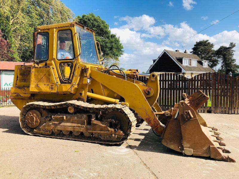 CATERPILLAR 953 TRACKED LOADER C/W FOUR IN ONE BUCKET