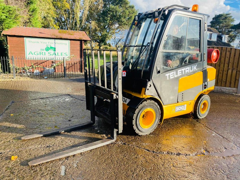 JCB TLT30G TELETRUCK * ONLY 371 HOURS * C/W SIDE SHIFT * PLEASE SEE VIDEO *