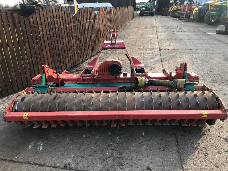 KVERNELAND NG-S 101 3 METER POWER HARROW ( YEAR 2011 )