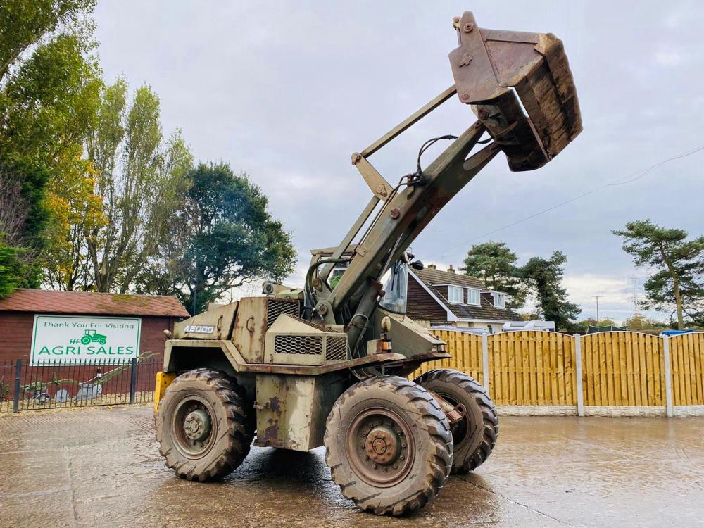 MUIR-HILL A5000 4WD LOADING SHOVEL * EX MOD * C/W FOUR IN ONE BUCKET