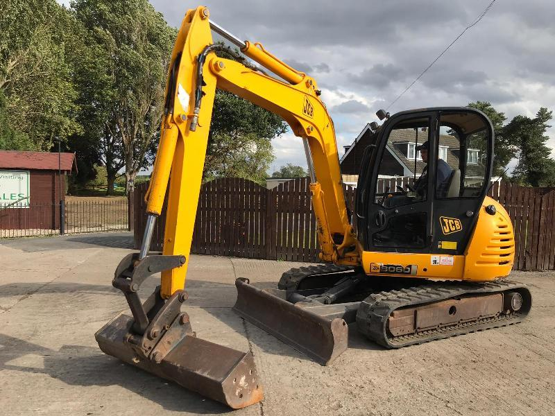JCB 8060 6 TON RUBBER TRACKED EXCAVATOR ( YEAR 2007 )