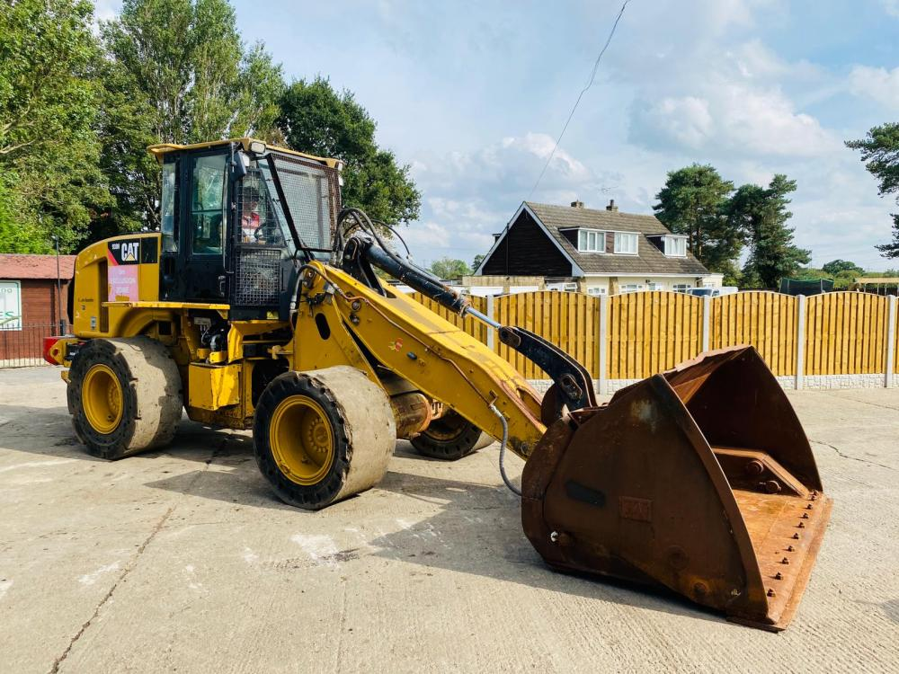 CATERPILLAR 930H HIGH TIP LOADING SHOVEL * YEAR 2011 * C/W JOYSTICK CONTROL * VIDEO *
