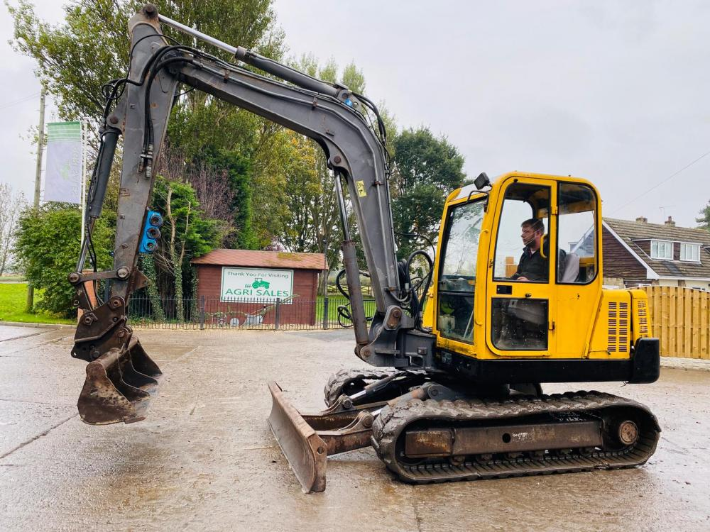 VOLVO EC70 TRACKED EXCAVATOR C/W QUICK HITCH * SEE VIDEO *