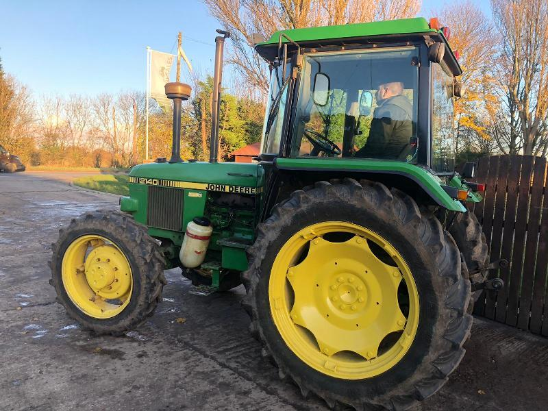 JOHN DEERE 2140 4WD TRACTOR * ONE OWNER FROM NEW *