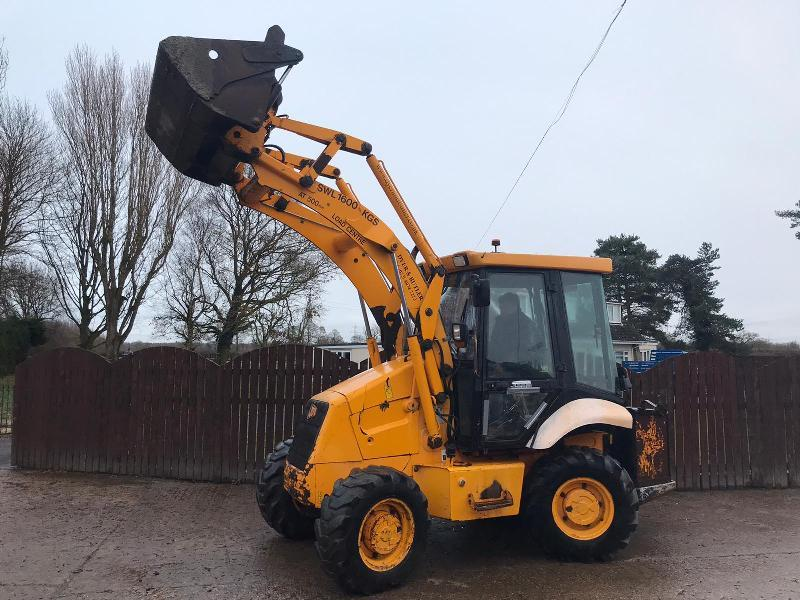 JCB 2CX AIR-MASTER DIGGER ( YEAR 2005 ) C/W FOUR IN ONE BUCKET