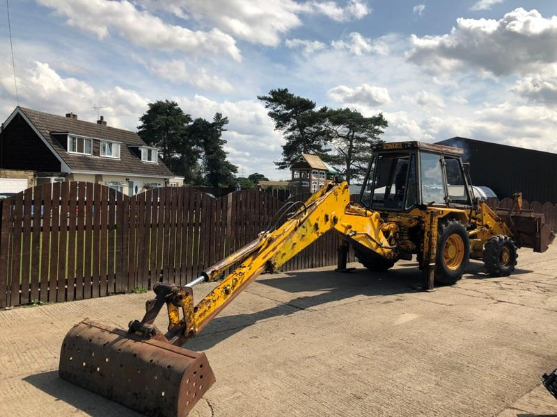 JCB 3CX PROJECT 7 4WD BACK HOE DIGGER C/W PROJECT 8 BIG HUB REDUCTION