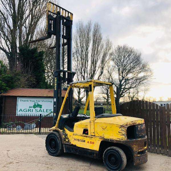 HYSTER H4.50XM DIESEL FORKLIFT * 4.5 TON LIFTING CAPACITY *