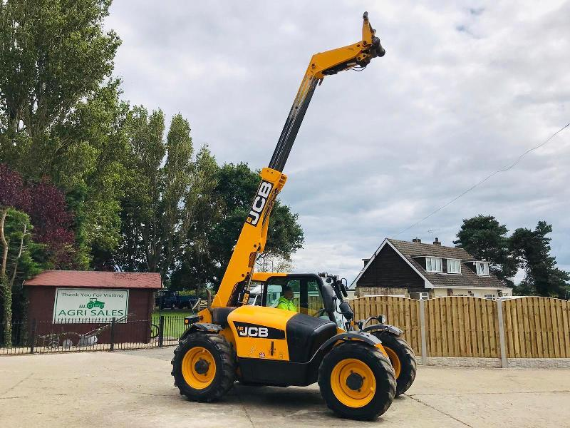JCB 527-58 TURBO TELEHANDLER * YEAR 2010 , AG-SPEC * C/W PICK UP HITCH