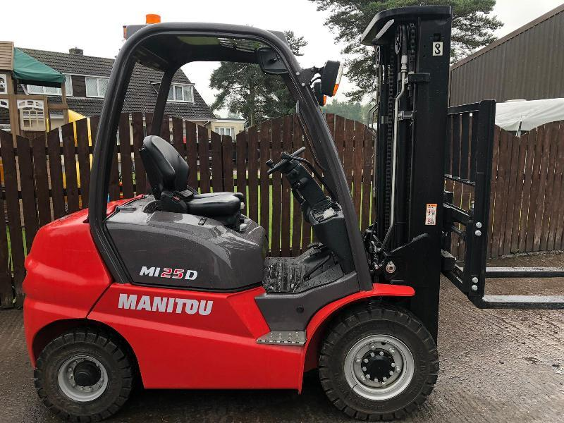 MANITOU M125D FORKLIFT ( YEAR 2018 )