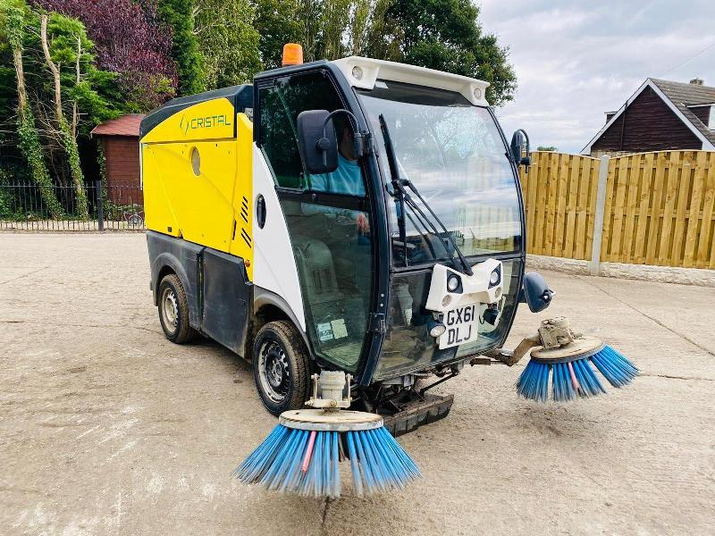 JOHNSON ROAD & PATH SWEEPER *YEAR 2011* C/W FRONT TWIN ROTARY BRUSHES
