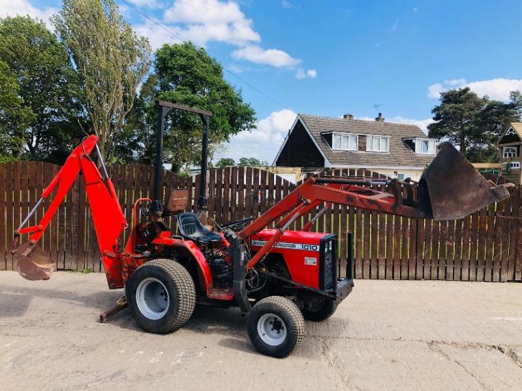 MASSEY FERGUSON 1010 TRACTOR C/W FRONT LOADER AND BACK ACTOR