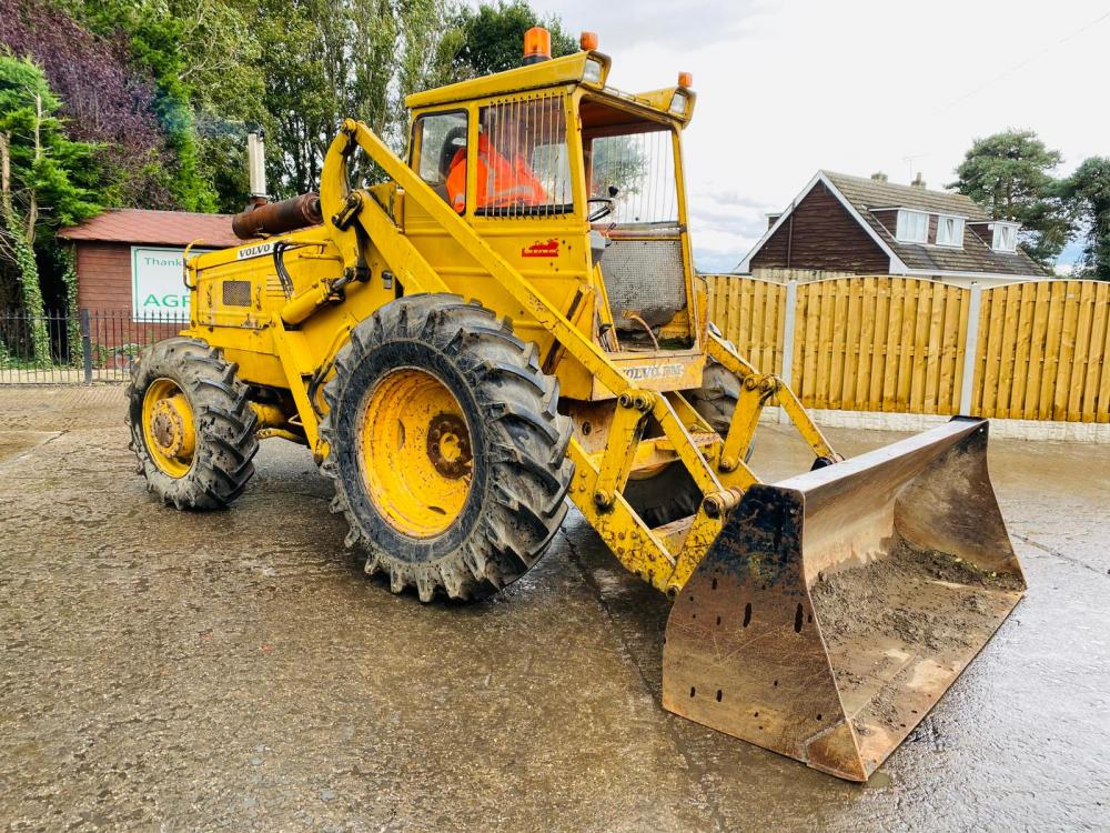 VOLVO BM 4WD LOADING SHOVEL C/W BUCKET