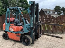 NISSAN 20 FORK LIFT CW 360 DEGREE ROTATING HEAD STOCK ( YEAR 2002 )