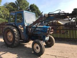 FORD 4600 TRACTOR C/W FRONT LOADER