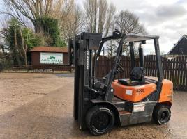 DOOSAN D30S DIESEL FORKLIFT CONTAIN SPECIFICATION C/W SIDE SHIFT * YEAR 2006 *