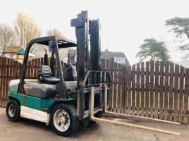 MANITOU CD30P DIESEL FORK LIFT C/W SIDE SHIFT * YEAR 2008 *