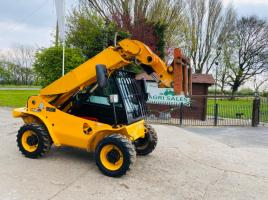 JCB 520-40 4WD TELEHANDLER * YEAR 2010 , ONLY 4839 HOURS *