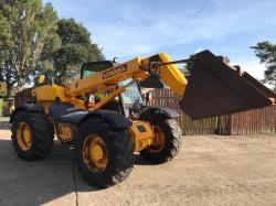 JCB 526 TELEHANDLER C/W BUCKET AND TINES