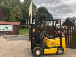 YALE GLP20A GAS FORKLIFT C/W SIDE SHIFT ( PLEASE SEE VIDEO )