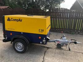 COMPAIR TOWABLE COMPRESSOR YEAR 2015 ** ONLY 57 HOURS **