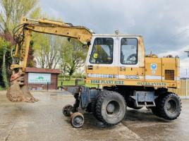 LIEBHERR A902 WHEELED EXCAVATOR C/W RAIL WAY TRACK EQUIPMENT