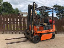 COMPACT GVC16 GAS FORK LIFT
