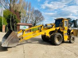 WEATHERILL LOADING SHOVEL C/W EXTRA LONG REACH