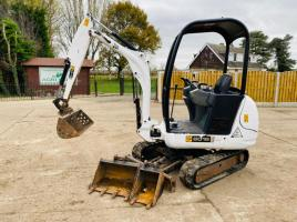 JCB 8018 MINI EXCAVATOR * YEAR 2010 * C/W EXPANDING TRACKS QUICK HITCH & 3 X BUCKETS