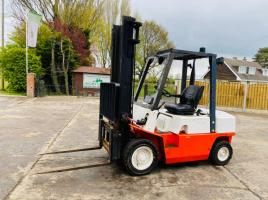 NISSAN 30 DIESEL FORKLIFT C/W 2 STAGE MAST & SIDE SHIFT