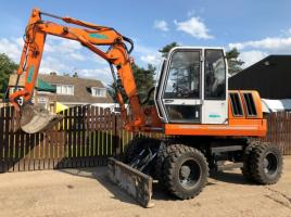 BENMAC 308R WHEELED EXCAVATOR ** ONLY 4719 HOURS ** ( PLEASE SEE VIDEO )