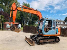 HITACHI WX60-3 TRACKED EXCAVATOR ON RUBBER BLOCK PADS