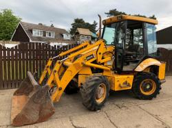 JCB 2CX DIGGER ( YEAR 2007 )( PLEASE SEE VIDEO )