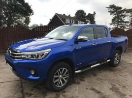 TOYOTA HILUX INVINCIBLE IN METALLIC BLUE ( YEAR 2017 )