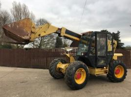 JCB 527-67 TELEHANDLER CW BUCKET AND TINES