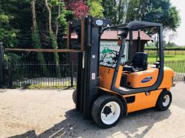 SAMUK 30D FORKLIFT CONTAINER SPEC C/W SIDE SHIFT