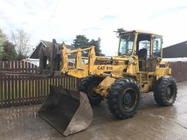 CAT 910 LOADING SHOVEL C/W BUCKET AND TINES ( PLEASE SEE VIDEO )