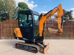 HANIX H15B PLUS - 2 MINI DIGGER * YEAR 2011 * C/W 4 X BUCKETS
