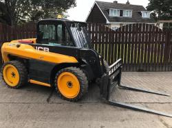JCB 515-40 TELEHANDLER ( YEAR 2011 ) * ONLY 1815 HOURS * ( PLEASE SEE VIDEO )