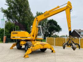 LIEBHERR 902 WHEELED MATERIAL HANDLER * ONLY 6929 HOURS * C/W 5 TINE SCRAP GRAB