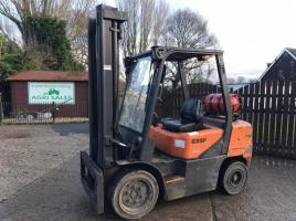 DOOSAN G33P-3 GAS FORKLIFT C/W SIDE SHIFT ( YEAR 2006 ) * PLEASE SEE VIDEO *