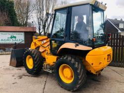 JCB 2CX FARM MASTER C/W PICK UP HITCH,BUCKET & PALLET FORKS * ONLY 4382 HOURS *