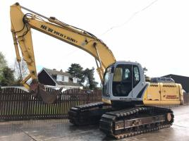 NEW HOLLAND E215B TRACKED EXCAVATOR ( YEAR 2008 ) ( PLEASE SEE VIDEO )