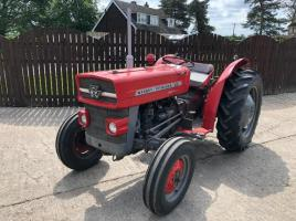 MASSEY FERGUSON 135 TRACTOR ( PETROL ENGINE ) MADE IN COVENTRY ENGLAND ( SEE VIDEO )