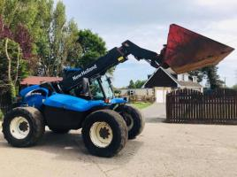 NEW HOLLAND LM415 TELEHANDLER C/W BUCKET AND PALLET TINES