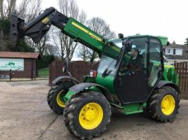 JOHN DEERE 3215 TELEHANDLER * ATTACHMENTS CAN BE SUPPLIED AT AN EXTRA COAST *