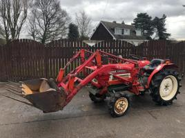 YANMAR YM1810D 4WD TRACTOR CW FRONT LOADER BUCKET AND MUCK FORK