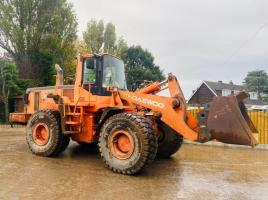 DEAWOO MEGA 300V LOADING SHOVEL C/W QUICK HITCH * YEAR 2003 *